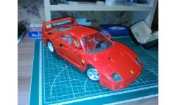 Ferrari F40 1987г  BBURAGO  1/18, масштабная модель, 1:18