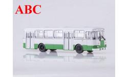 Ликинский автобус 677М городской (бело-зеленый), масштабная модель, Советский Автобус, scale43, ЛиАЗ