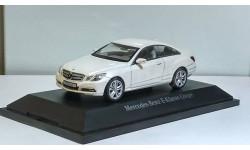 1:43 Mercedes Benz E Class Coupe 2009-2013  Diamond белый Schuco