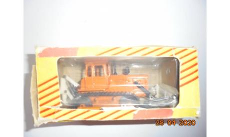 ДЗ-109Б Бульдозер Т-2 1/43, масштабная модель трактора, 1:43