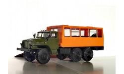 Вахтовый автобус НЕФАЗ-42112 (4320), кабина хаки, вариант 1