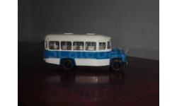 автобус КАВЗ 1:43