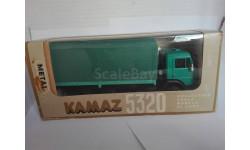 КаМАЗ-5320 бортовой зеленый с зеленым тентом из коллекции С123