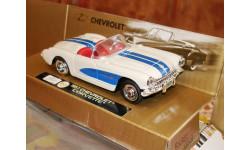 Chevrolet Corvette 1957 белый-синий 'New Ray, масштабная модель, 1:43, 1/43