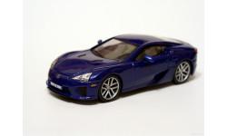Lexus LF-A с журналом