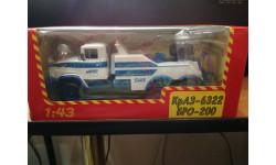 КрАЗ-6322 БРО-200 SIAS Буксировочный тягач, белый / голубой  1:43 - Наш автопром, масштабная модель