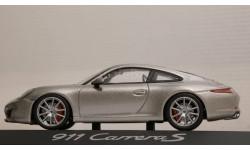 1:43 PORSCHE 911 (991) Carrera S - Minichamps!