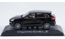 1:43 PORSCHE Cayenne Turbo S 2017 года - Minichamps в дилерской упаковке Porsche