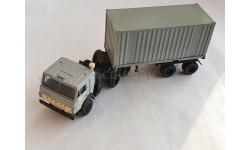 КамАЗ-5410 с полуприцепом контейнеровозом