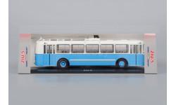 Троллейбус ЗиУ-5 Голубой