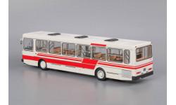 Автобус ЛиАЗ-5256 белый с красными полосами, масштабная модель, Classicbus, 1:43, 1/43