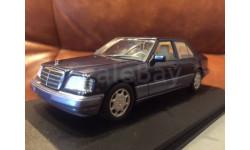 Mercedes Benz E-klass E 220 Limousine Saloon W124 Minichamps NT Blue