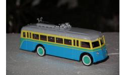 СовА. Троллейбус ЯТБ-1