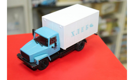 Фургон для перевозки хлеба (3307) 1:43 Наши грузовики возможен обмен, масштабная модель, scale43