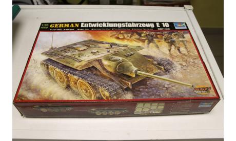 00385 Танк German Entwicklungsfahrzeug E 10  1:35 Trumpeter, сборные модели бронетехники, танков, бтт, 1/35