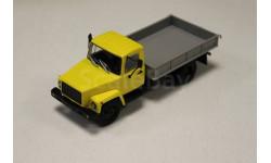 Горький-33073 (двиг. ЗМЗ-513) Грузовое такси, желтый 1:43 Автоистрия