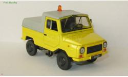 Автомобиль на службе №47. ЛуАЗ-2403 Тягач контейнерных тележек в блистере