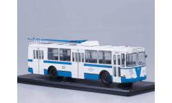 ЗИУ-682Б бело-голубой троллейбус SSM SSM4015