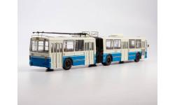 Троллейбус ЗИУ-10 (голубой-белый)