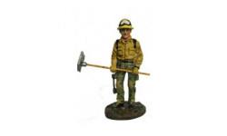 1:32  Пожарный лесной охраны США 2001, фигурка, 1/32, Delprado