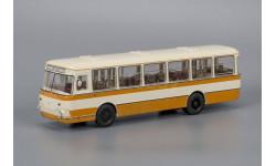 ЛиАЗ-677М Бежево-жёлтый (с запасным колесом), масштабная модель, 1:43, 1/43