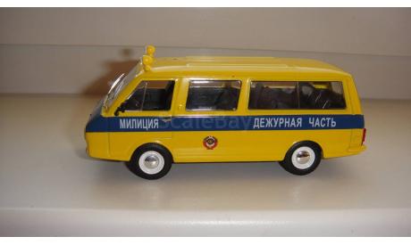 АВТОМОБИЛЬ НА СЛУЖБЕ № 25 РАФ 22033 ГАИ  ТОЛЬКО МОСКВА, журнальная серия Автомобиль на службе (DeAgostini), scale43