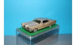 Madison (MAD-4) 1/43 - 1965 Pontiac Bonneville Sport Coupe