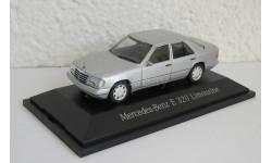 Mercedes-Benz E320 W124 1993-1995 1:43 Herpa