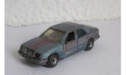 Mercedes-Benz 300E 1:64 Matchbox, масштабная модель, 1/64