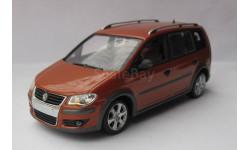 Volkswagen Touran Cross 1:43 Minichamps