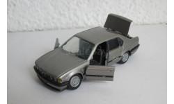 BMW 735i E32 1:43 Gama