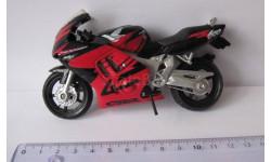 Honda CBR 600 F  1:18  Maisto
