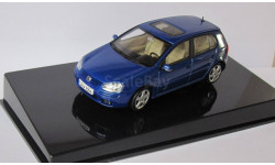 VW  Volkswagen  Golf V 5 дверей  1:43 AutoArt