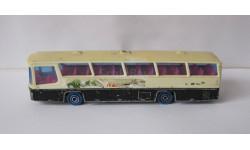 Автобус Neoplan 1:87 Majorette