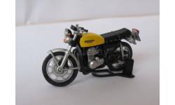 Модель мотоцикла HONDA 400Four  1:43