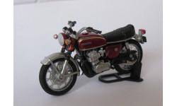 Модель мотоцикла HONDA 750Four  1:43
