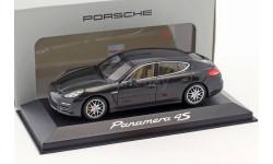 Porsche Panamera 4S 1:43 Minichamps