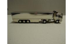 Фура, грузовик Mercedes Benz  1:43 NZG