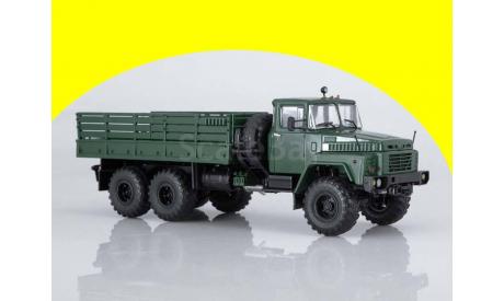 КРАЗ-260 бортовой (ранний) АИСТ 102286, масштабная модель, Автоистория (АИСТ), scale43