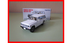 Nissan Safari масштабная модель Tomica Limited 1/64