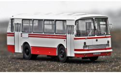 Масштабная модель 695Н бело-красный