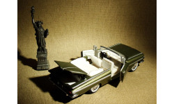 Chevrolet Impala Convertible (1959) - Road Champs - 1:43