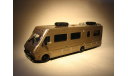 Fleetwood Bounder RV Motorhome (1986) - Greenlight - 1:64, масштабная модель, 1/64