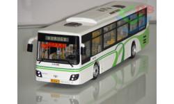 1/43 Автобус DAEWOO BUS (Белый с зелёным). Поворотный мост.