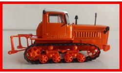 Трактор ДТ-75 первого поколения в блистере с журналом выпуск №12