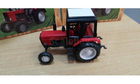 160051 трактор мтз-82 2-х цв.(пластик, красный с черн кабиной белая крыша), масштабная модель трактора, Металл-Пласт, scale43