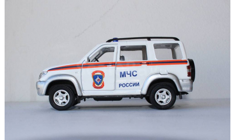 УАЗ-3163 Патриот  МЧС России  Autotime 1:43 БЕЗ МОТОРЧИКА, масштабная модель, 1/43