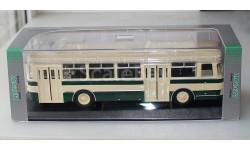 Автобус ЛиАЗ-677 бежево-зеленый Classic Bus 1:43