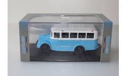 КАвЗ 651 бело-голубой Classicbus 1:43, масштабная модель, scale43