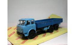Масштабная модель МАЗ-516А(71-73 г.) синий/голубой НАП